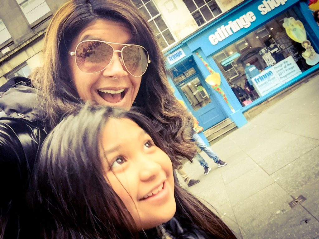 Gabby_and_daughter-travels